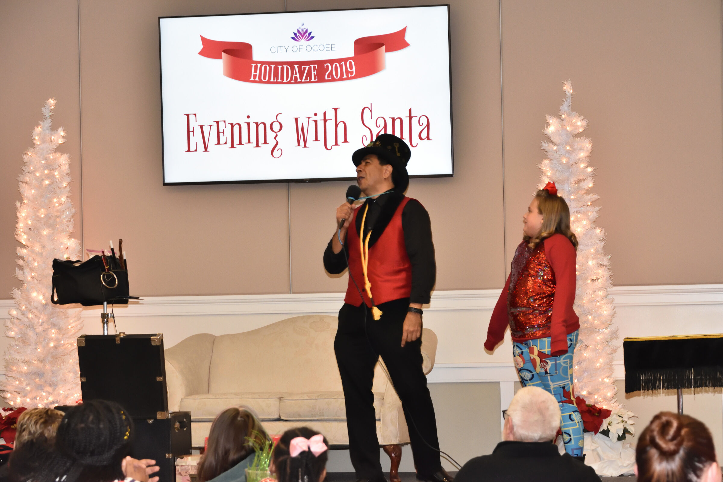 2019 Holidaze An Evening with Santa (59)